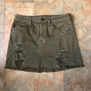 NWOT AEO Army Green Distressed Skirt